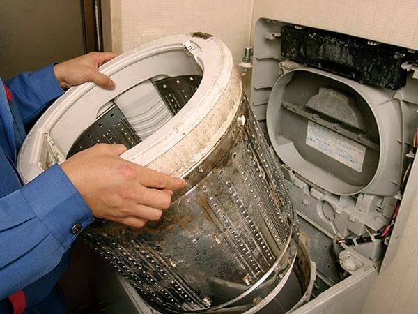 Tại Sao Nên Vệ Sinh Máy Giặt Thường Xuyên