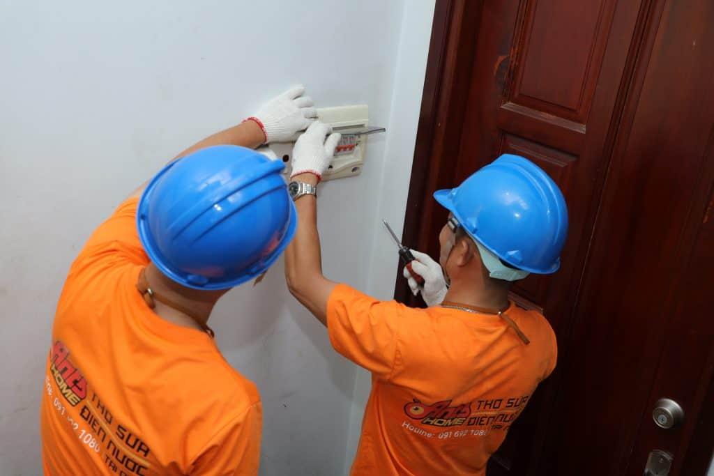 Dịch Vụ Sửa Chập Điện Trong Nhà Nhanh Chóng