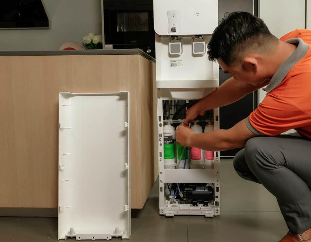 ráp lõi lọc cho máy lọc nước